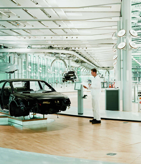 Offenes, top-modernes Design: die Gläserne Manufaktur in Dresden